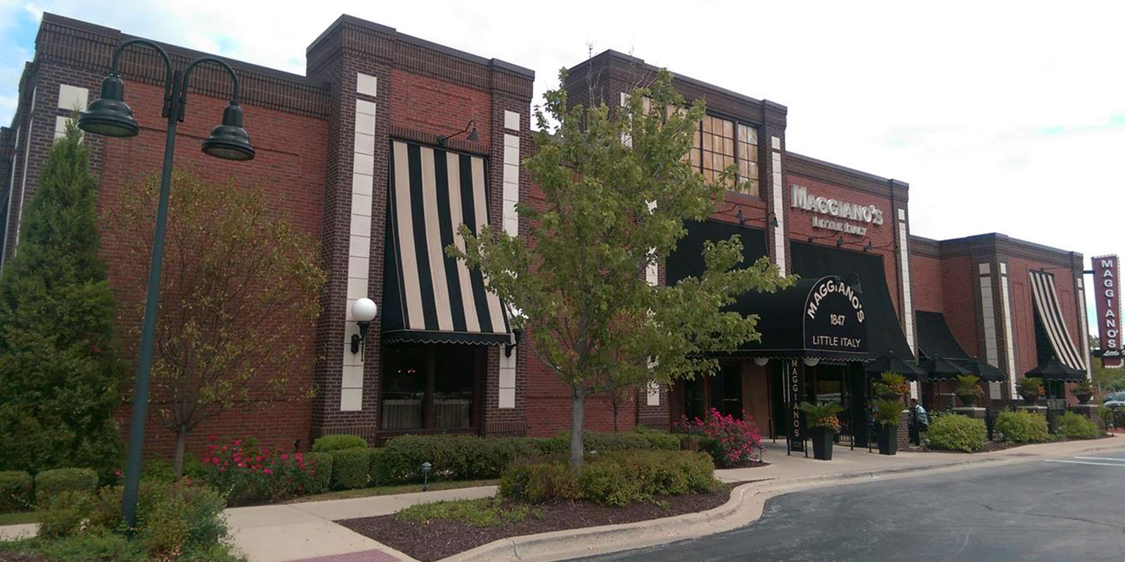 Exterior of Maggiano's Little Italy